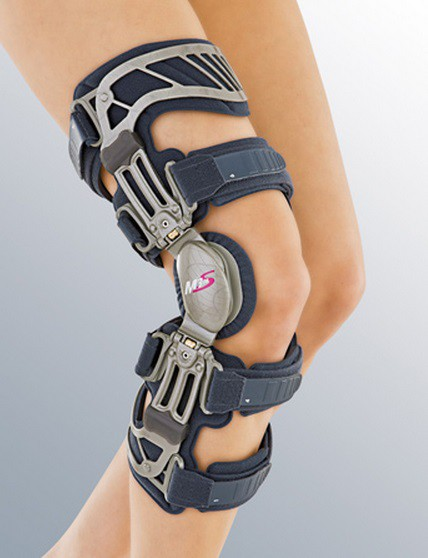 Ортез на коленный сустав жесткий регулируемый m.4 s диета при болях суставах